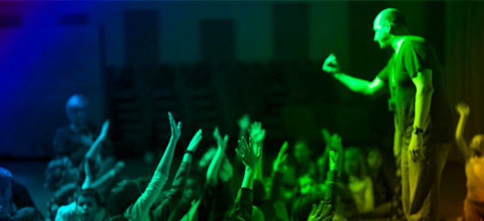 7 cosas que debemos evitar durante el servicio dominical