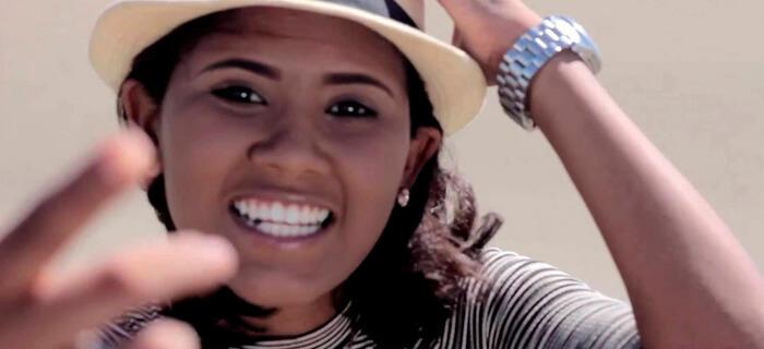 Lizzy Parra presenta Mejor pa´ Mi (Vídeo Oficial)