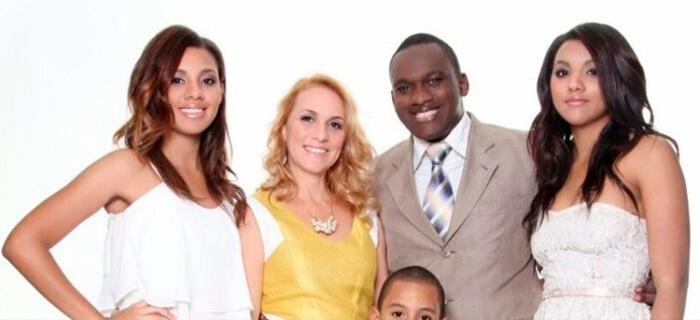 Pastor que fue homosexual, sale a la calle a hablar de su transformación