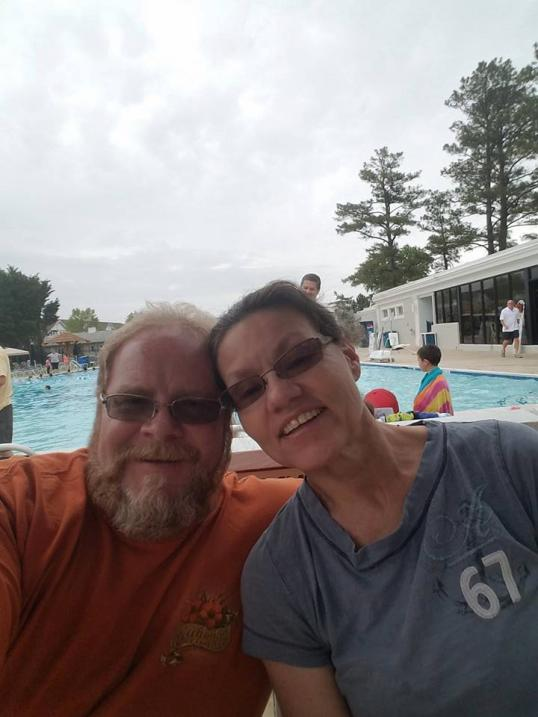 R. Scott Marshall y su esposa Karen Marshall, ambos de 56 años.