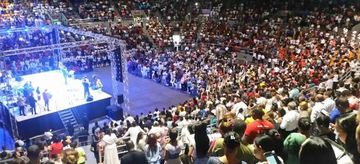 Juan Carlos Harrigan abarrota la Gran Arena del Cibao