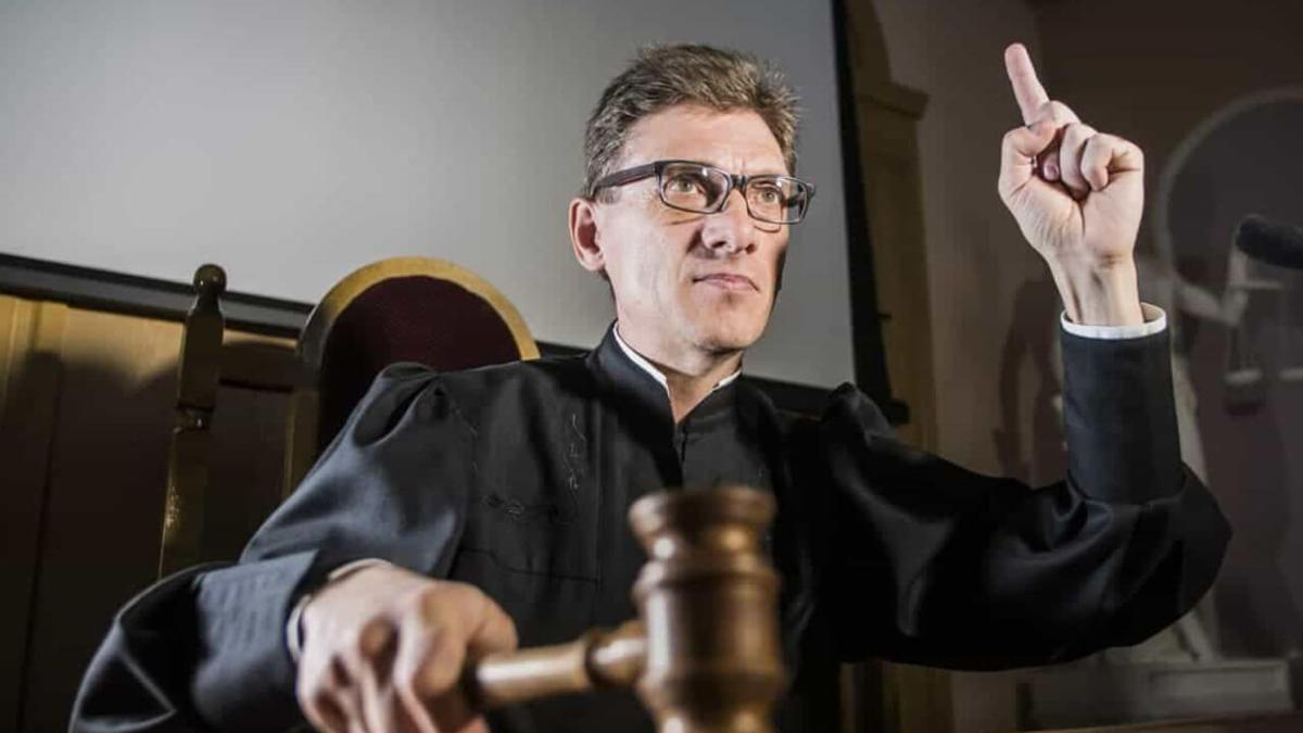 Reflexión: El único que me podía juzgar, me defendió
