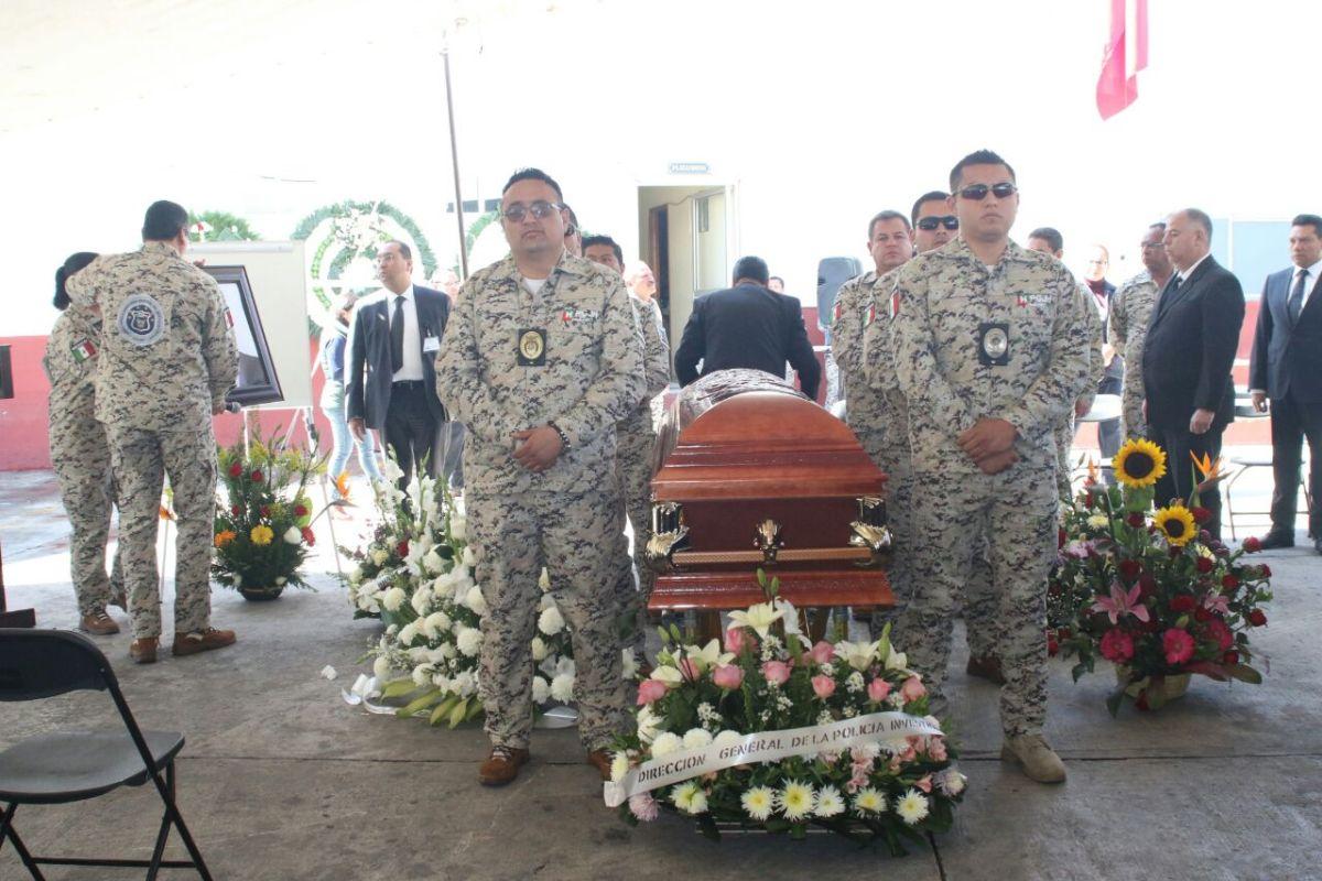 Rinden homenaje a policía de Investigación ultimado en Tulancingo