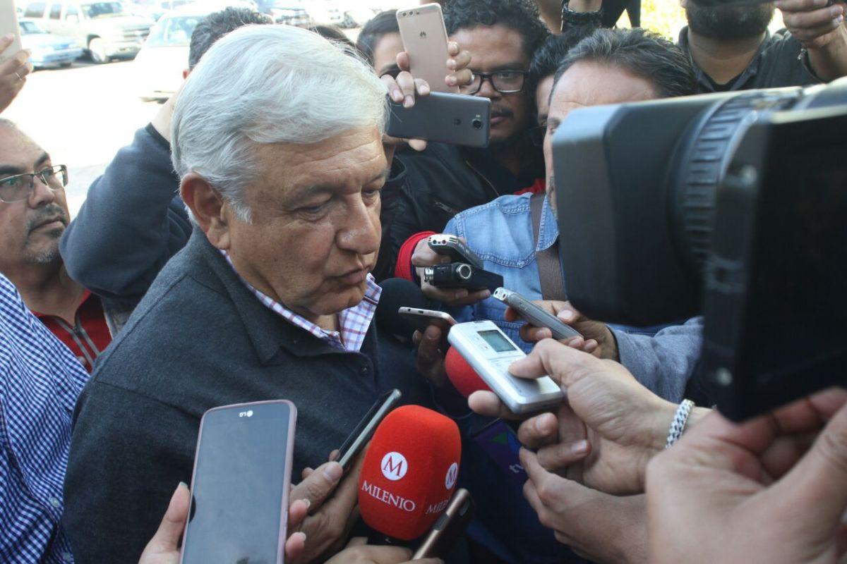 En Hidalgo se quedan fuera de encuentro con López Obrador; llena recinto