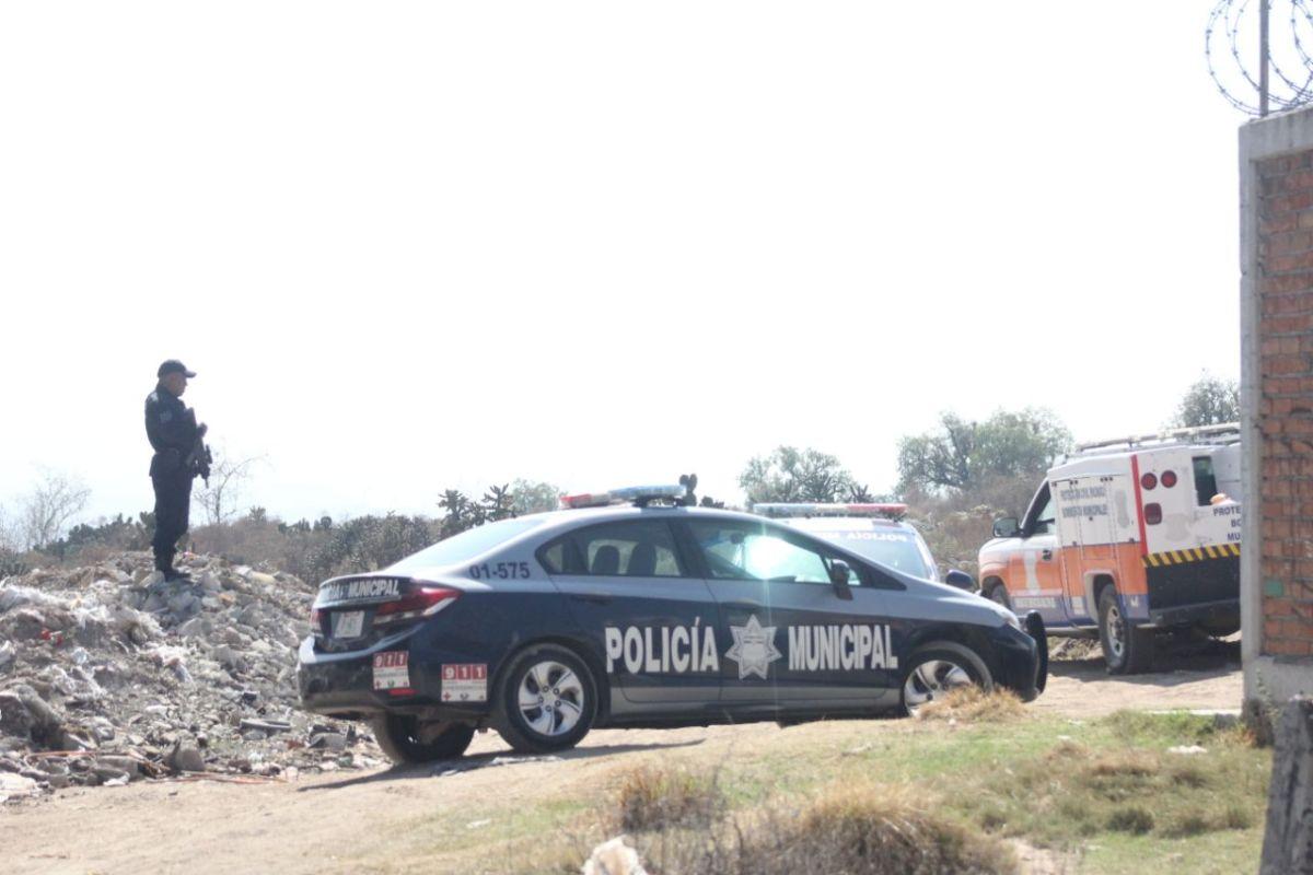Localizan el cadáver de un hombre en la México-Pachuca; estaba amarrado
