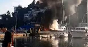 Arden dos embarcaciones en Acapulco