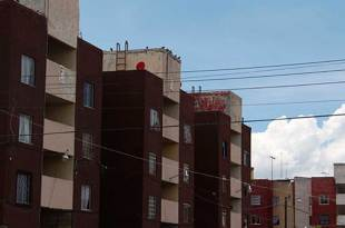 Proponen reglamento para dar certeza jurídica y reglas de convivencia en condominios de Pachuca
