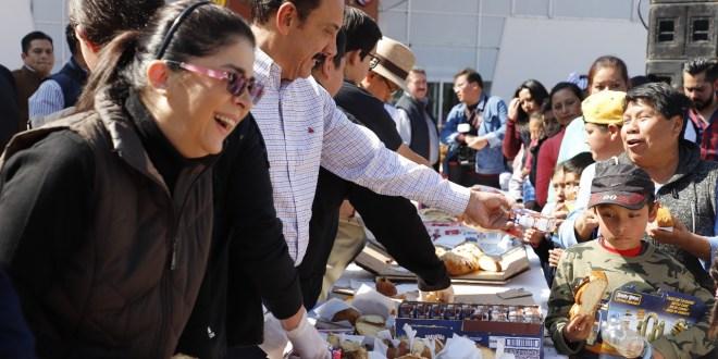Cerca de 6 mil niños partieron la rosca de Reyes en Hidalgo