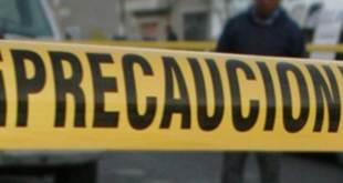 Hallan a persona sin vida dentro de auto en Metepec
