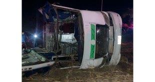 Al menos 23 heridos deja volcadura de camión en El Arenal