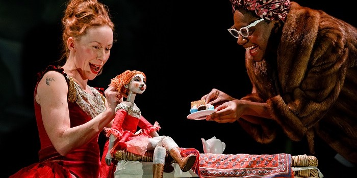 Postcolonialism and Hybridity in British Puppetry