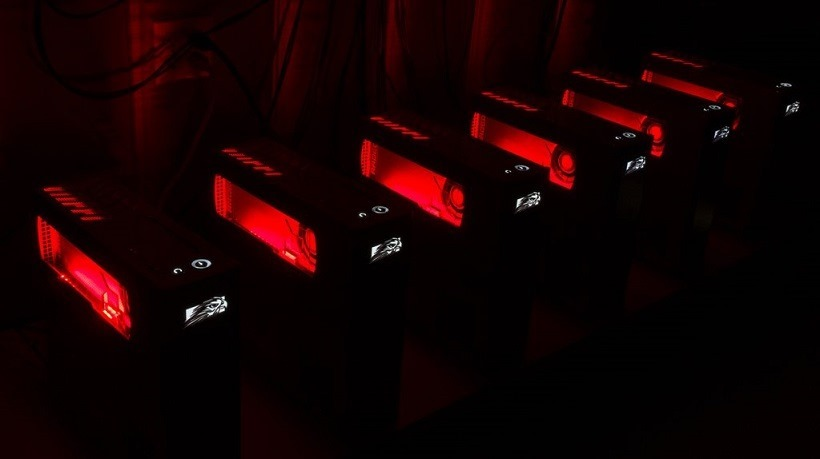 AMD shows off VR ready console-sized PCs