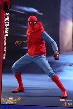 Hot Toys Spidey (15)