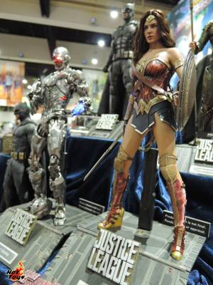 Hot Toys SDCC 2017 (56)