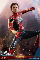 Hot Toys Iron Spider (10)