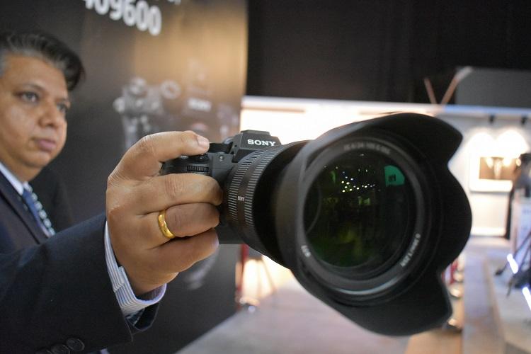 Sony α7R III Camera - Prespective view