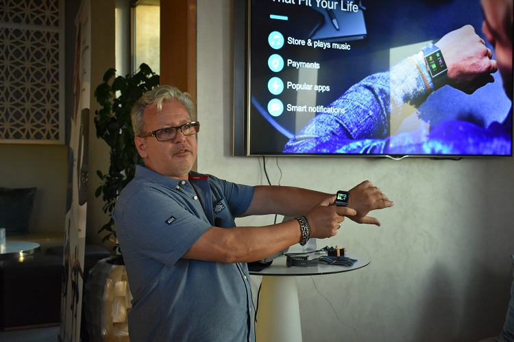 Vincent Lamoureux speaks about the features of Fitbit Ionic smartwatch