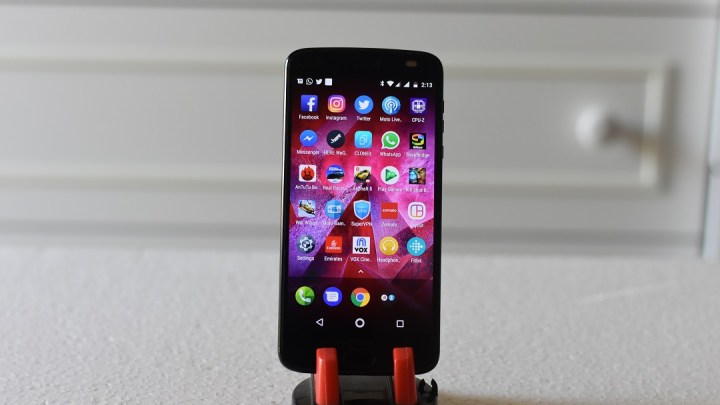Review of Motorola Z2 Force smartphone