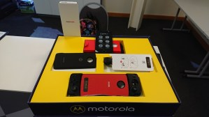Motorola Z2 force and Mods - Special Media pack