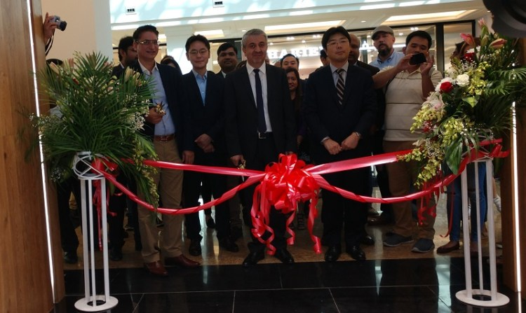 Inauguration of 1st Sony Camera Showroom along with KANSAS in Mall of Emirates, Dubai, UAE