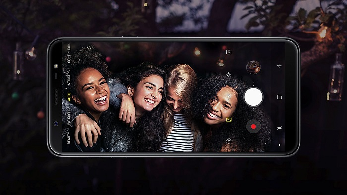 Samsung J8 - Galaxy J8 features low aperture with Dual Rear Camera 16MP (F1.7) + 5MP (F1.9) and Front Camera 16MP (F1.9)