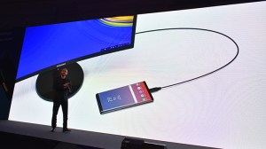 Samsung-Galaxy-Note9-to-connect-with-Monitor