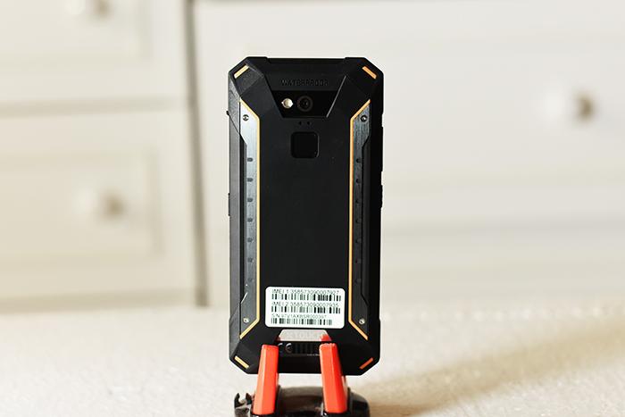 Xtouch-XBot-Senior-Smartphone-Back-panel