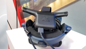 HTC Vive with Wireless Adapter-1