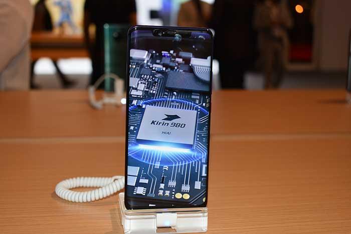 Huawei Mate series has the Kirin 980 and EMUI 9