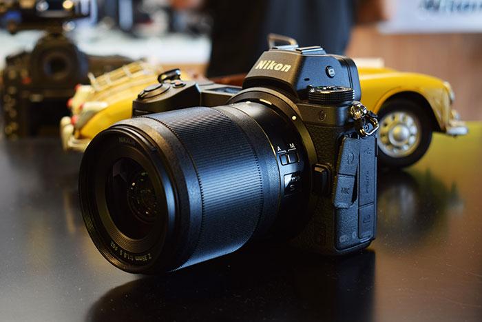 Nikon-Z6_Mirrorless_Camera_side_view