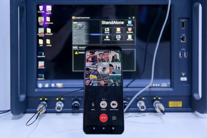"OPPO Unveils ""Find X"" 5G Prototype"