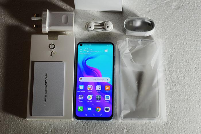 Huawei-Nova-4-Package