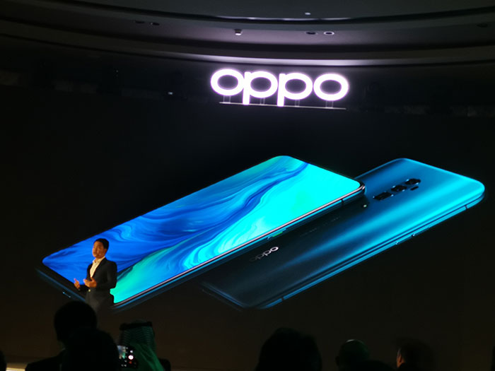 OPPO-10x Zoom smartphone-Display