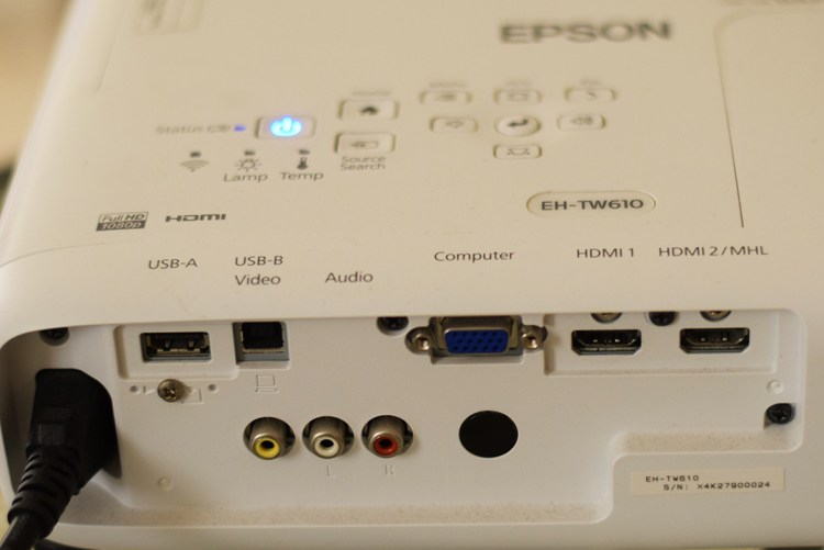Epson-EH-TW610-Interface_on_the_Back_Panel