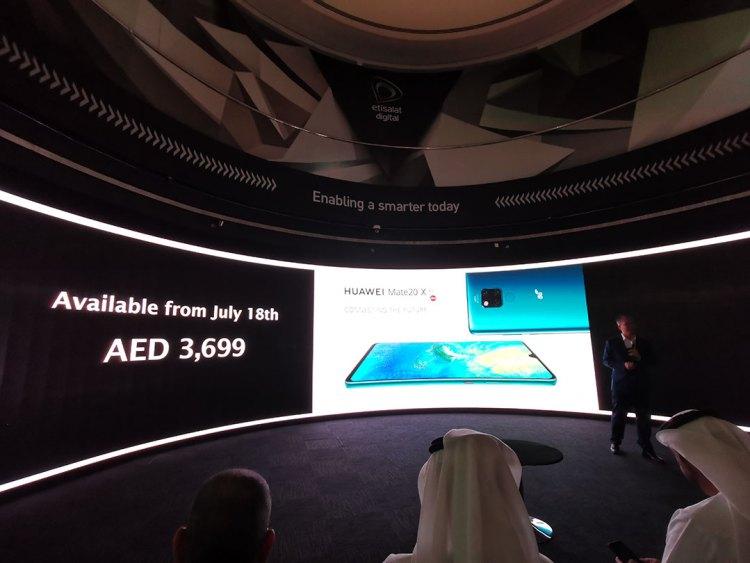 Huawei_Mate_20X_5G_smartphone_AED3699