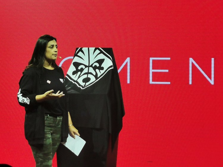 Katia-Merheb,-Personal-System-Consumer-Category-Manager-talk-about-the-OMEN-X-2S