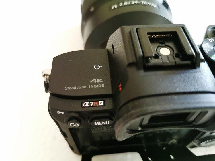 Sony-α7R-IV-Camera-can-4K-Photos-&-Videos