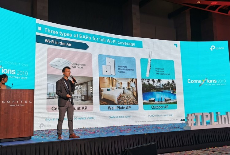 Ricky Li showcasing the TP-Link Hospitality Industry Products