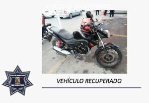 POLICÍAS CAPITALINOS RECUPERAN MOTOCICLETA ROBADA Y ASEGURAN A SU CONDUCTOR