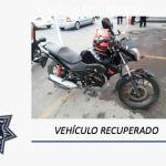 Policías capitalino recuperan motocicleta robada y aseguran a su conductor