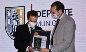 El nadador Daniel Delgadillo, el piloto Ricardo Cordero y el arquero Julio Soler, recibieron reconocimiento del Premio Municipal del Deporte 2021.