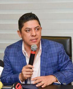 """""""Me propongo ser el primer gobernador que en verdad tome en cuenta a las comunidades de las cuatro regiones del estado"""": Gallardo"""