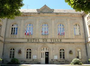 L'Hôtel de Ville de Villefranche-de-Rouergue