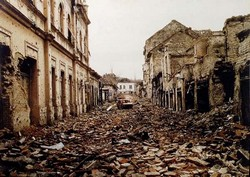 FIN MARS 1992 : UNE EXPOSITION DE PHOTOS DE GUERRE