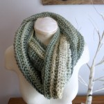 A crochet image of the New Beginning Infinity Cowl from Crochet 24/7