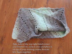 Spearmint Stars C2C Cowl from Crochet247