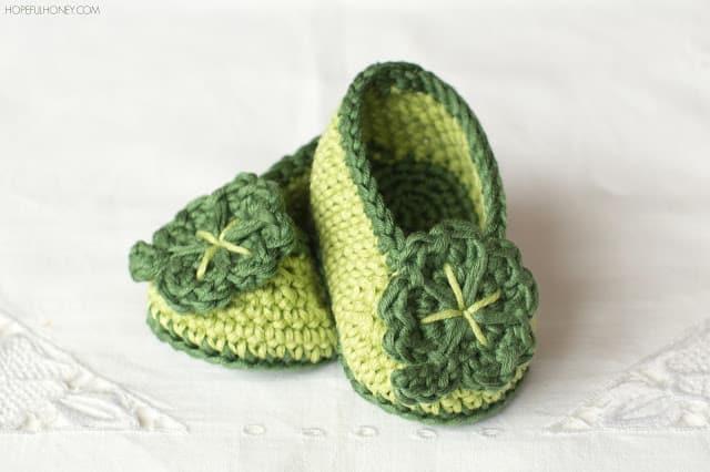 Shamrock baby crochet booties