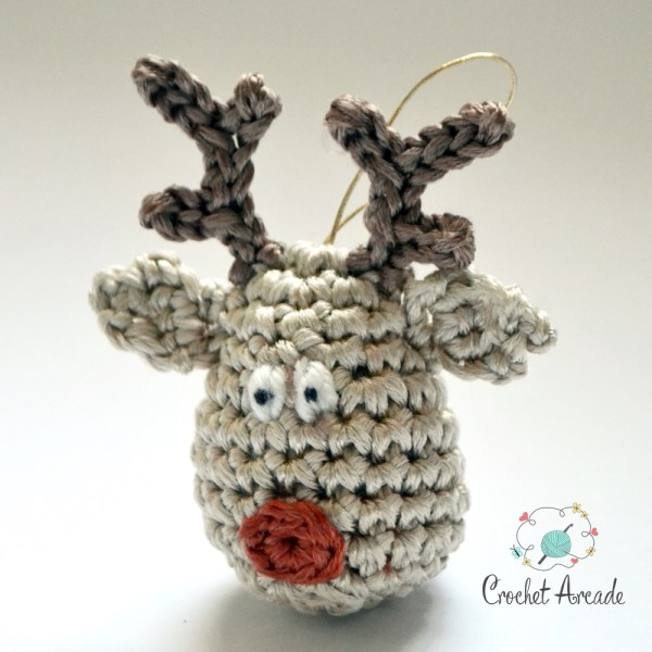 Reindeer_Christmas_Ornament_Free Crochet_Pattern in Drops yarn