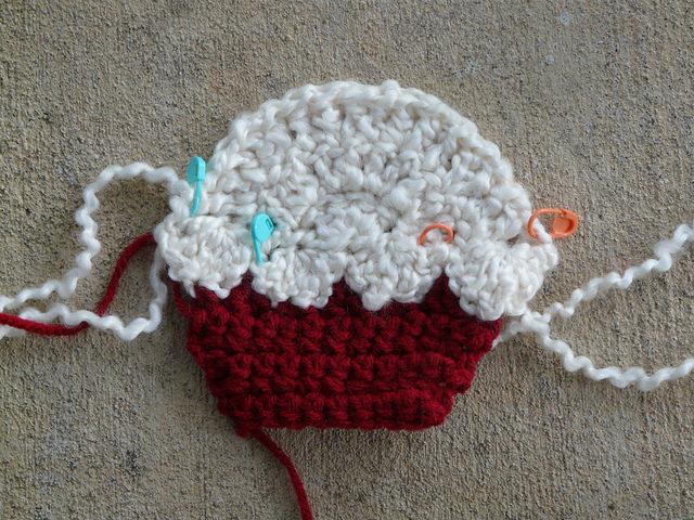 crochet cupcake scarf motif