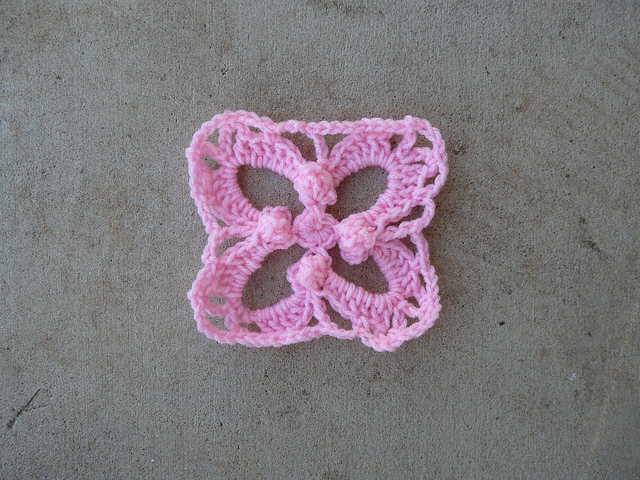crochet square with bobbles